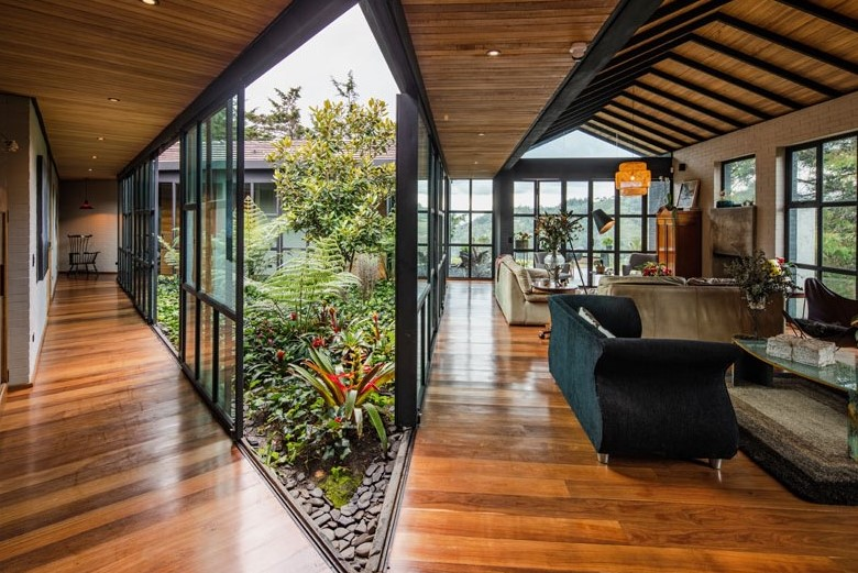 Stunning homes Triangular house interior