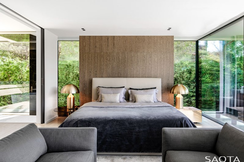 house with the wavy ceiling bedroom