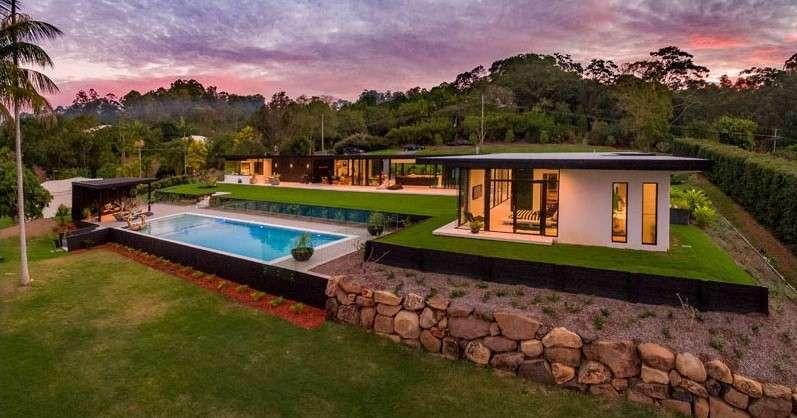 sarah waller residence evening view