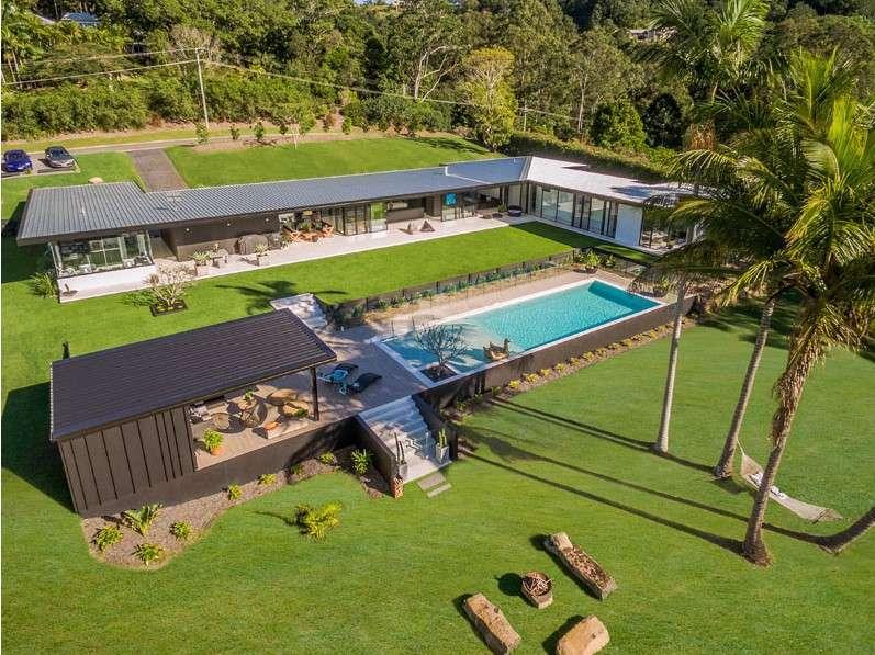sarah waller residence perspective